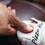 Schoenen kunnen pizza bestellen