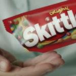 Bizarre Moederdagreclame van Skittles