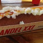 Belg eet 255 centimeter frikandel tijdens kampioenschap Frikandel XXL eten