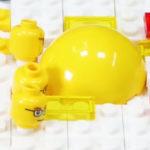 Boterham met ei gemaakt van Lego