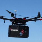 Drone gebruikt om pizza te bezorgen op het strand van Zandvoort