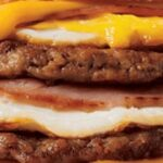 Begin de dag goed met gestapelde croissant van 860 calorieën
