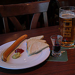 Man verliest gewicht met dieet van bier en worst