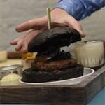 Ook Belgen serveren pikzwarte hamburger