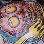 Tattoo eieren op hoofd