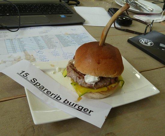 Sparerib burger
